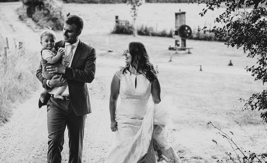 oast house wedding photography