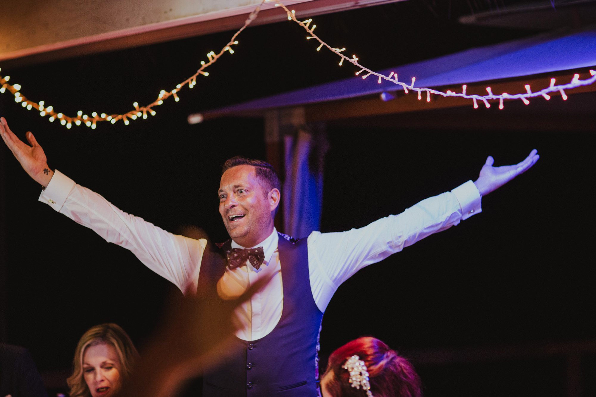 Theros Wave Bar Wedding Photographer